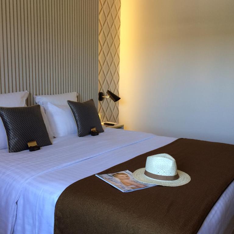 Aquabella Hotel And Spa