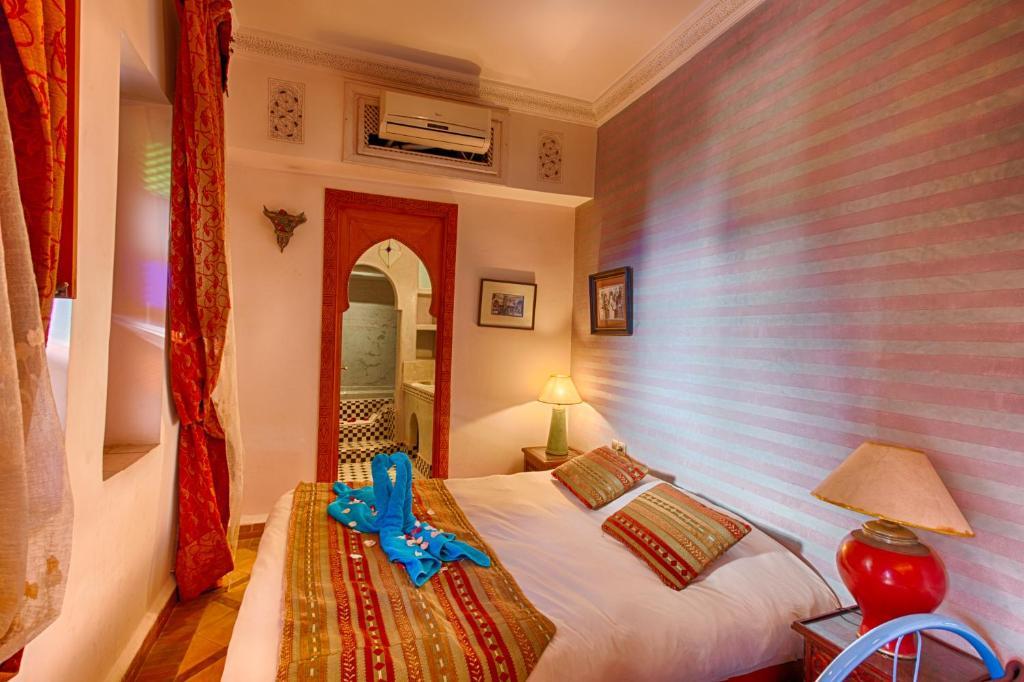 Riad kenzo chambres d 39 h tes marrakech for Chambre d hotes marrakech