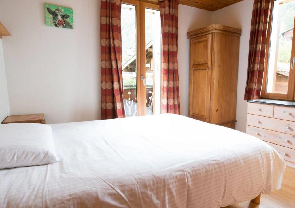 chambres d 39 h tes entre deux eaux chambres d 39 h tes morzine en haute savoie 74. Black Bedroom Furniture Sets. Home Design Ideas
