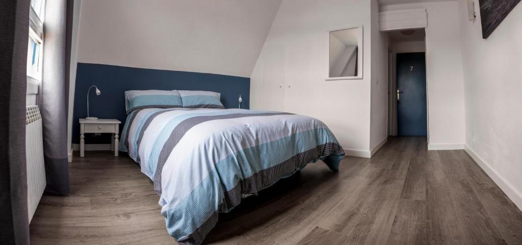 H a n d surf hostel santander reserva tu hotel con for Habitaciones familiares santander