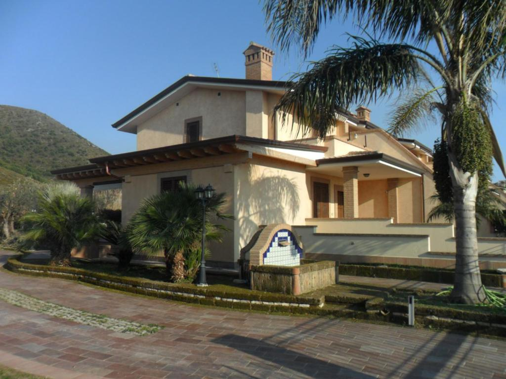 Casa vacanze polifemo italia sperlonga for Casa vacanze milano