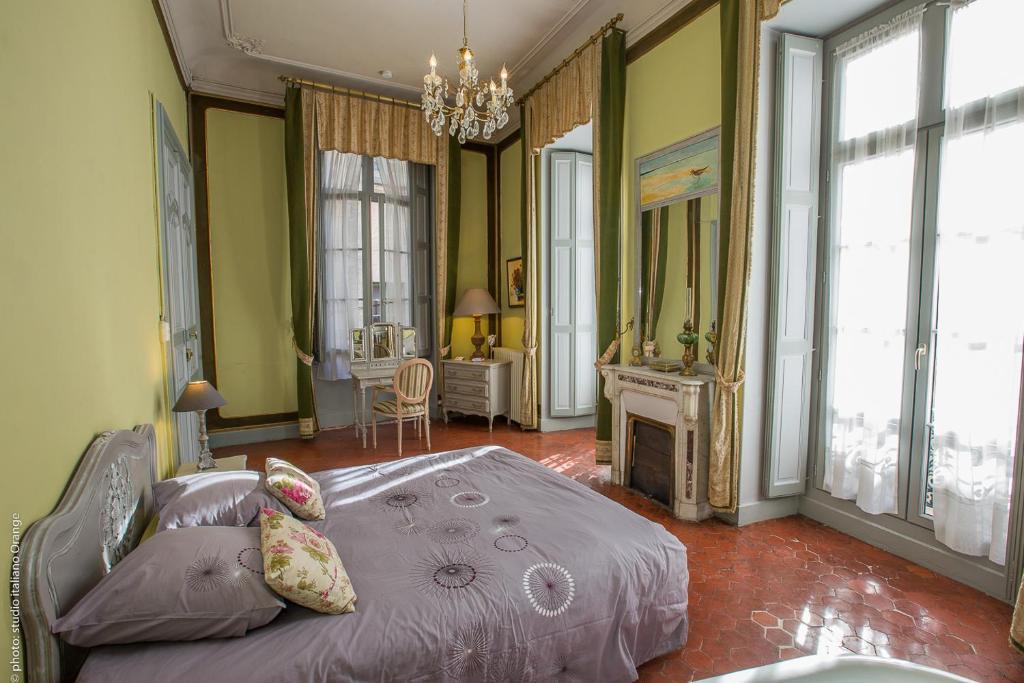 Chambres d 39 h tes la petite saunerie chambres d 39 h tes avignon for Chambre avignon