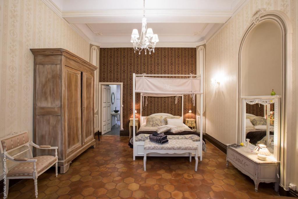 Chambres d 39 h tes la petite saunerie chambres d 39 h tes avignon for Avignon chambre d hotes