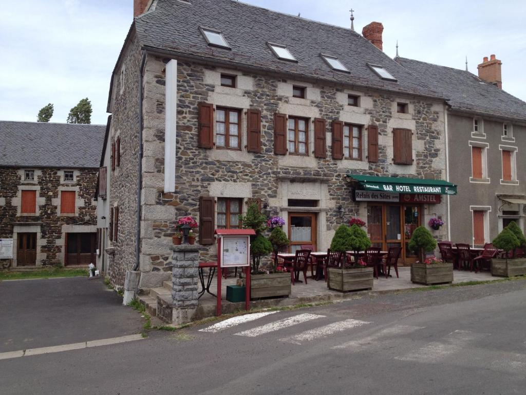 Le relais des sites saint flour book your hotel with for Sites hotel