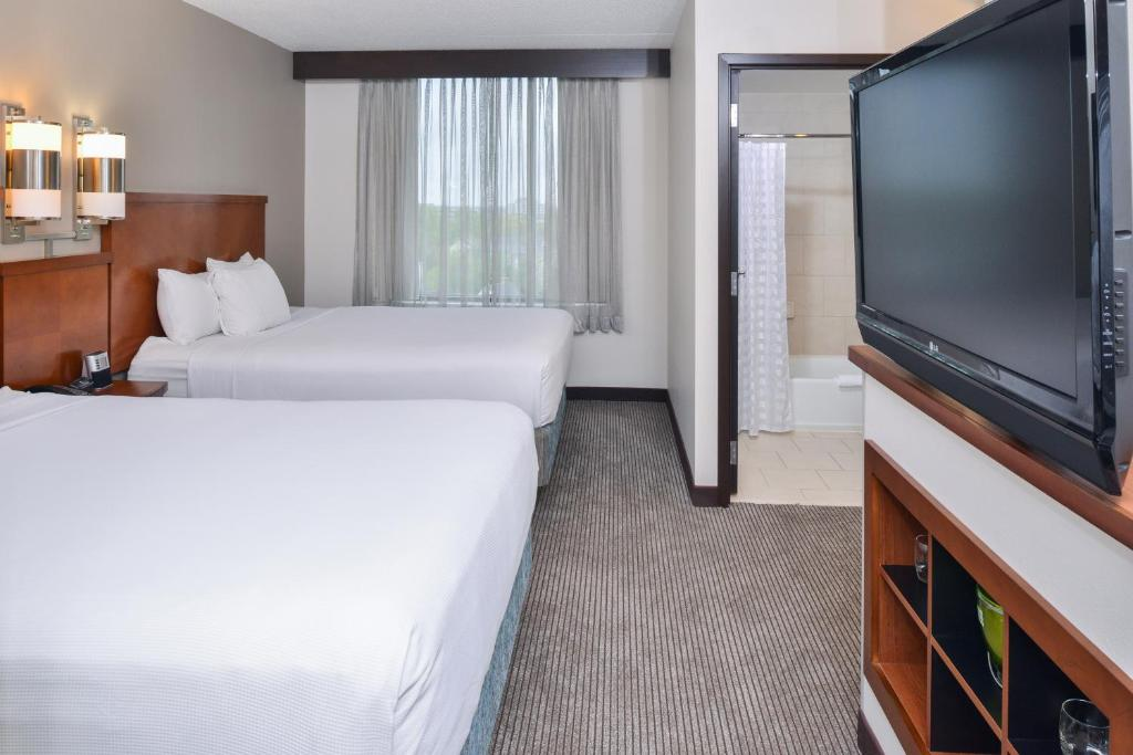 Hotels In Herndon Va With Smoking Rooms