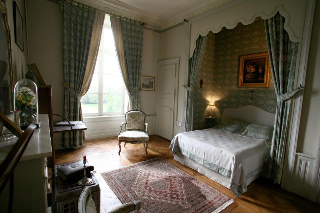 Chambres d 39 h tes ch teau de beaujeu chambres d 39 h tes sens beaujeu dans le cher 18 - Chambre d hote chateau renard ...