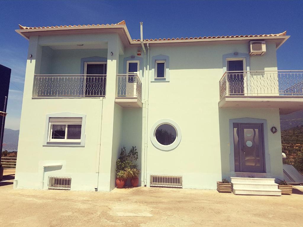 Kosteas Apartments