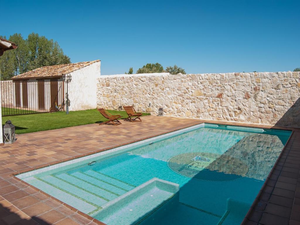 Casa de campo La Fuente del Pinar (España Valdesimonte ...