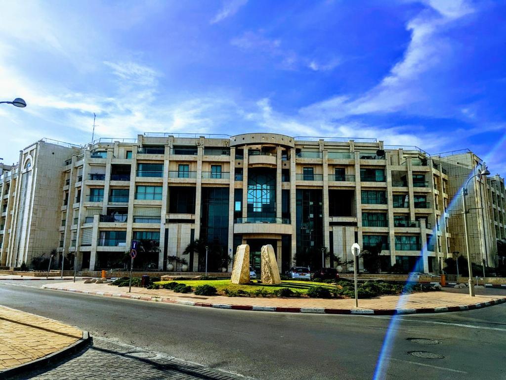 עדכני דירת אא יפית לגונה הרצליה, הרצליה – מחירים מעודכנים לשנת 2019 SR-84