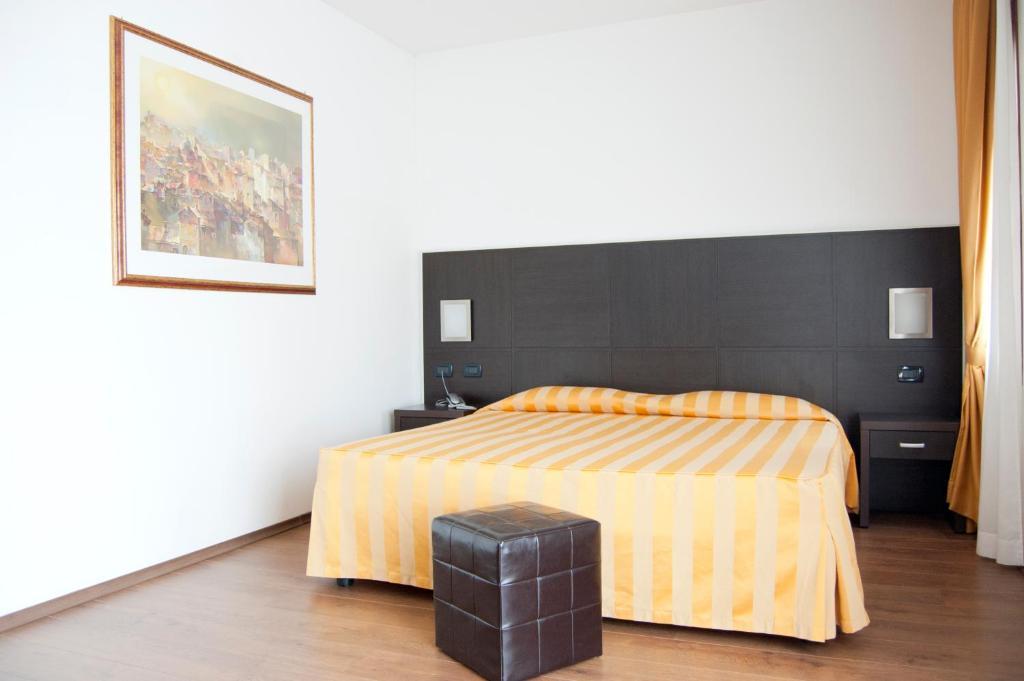 Hotel leon bianco adria reserva tu hotel con viamichelin for Habitaciones familiares leon