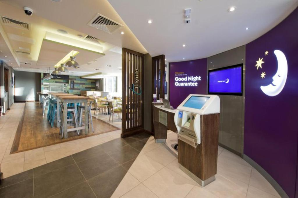 Hotels With Smoking Rooms In Lewisham London