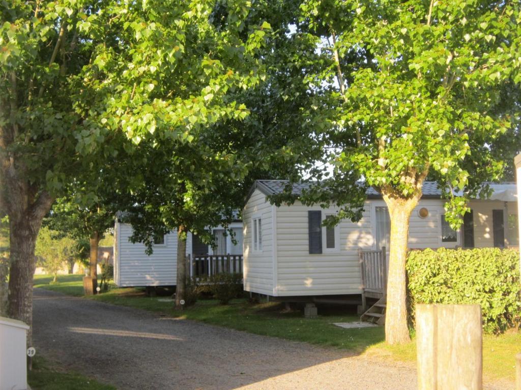 Domaine le jardin du marais casas de vacaciones le perrier for Camping le jardin du marais