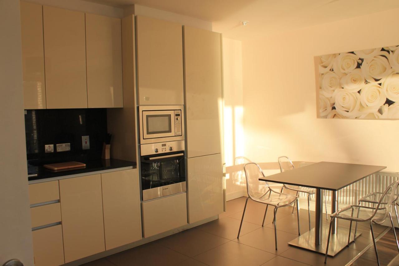 Contemporáneo Vista De Grúa Cocinas Belfast Fotos - Ideas Del ...