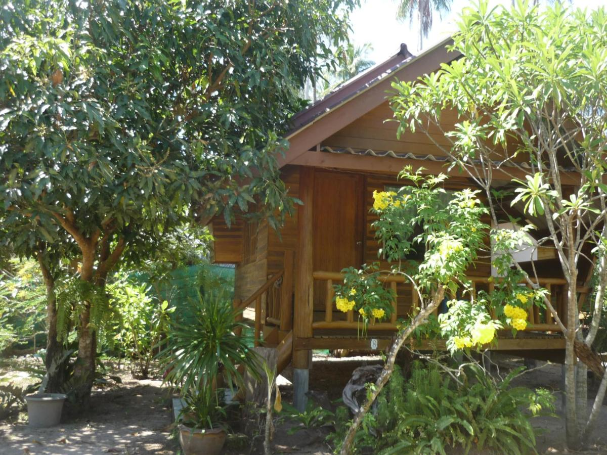 Pasai Beach Lodge