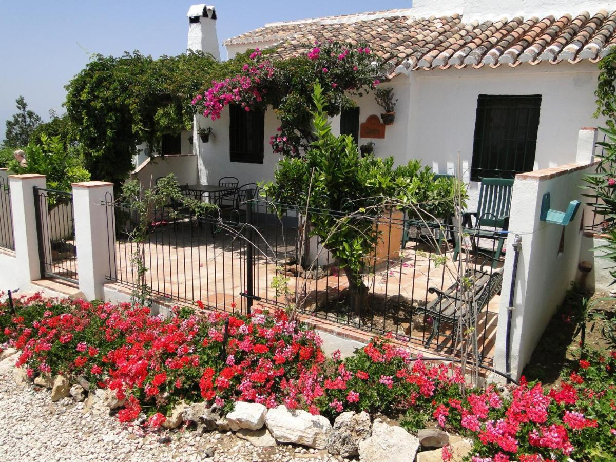 Cantueso Cottages (España Periana) - Booking.com