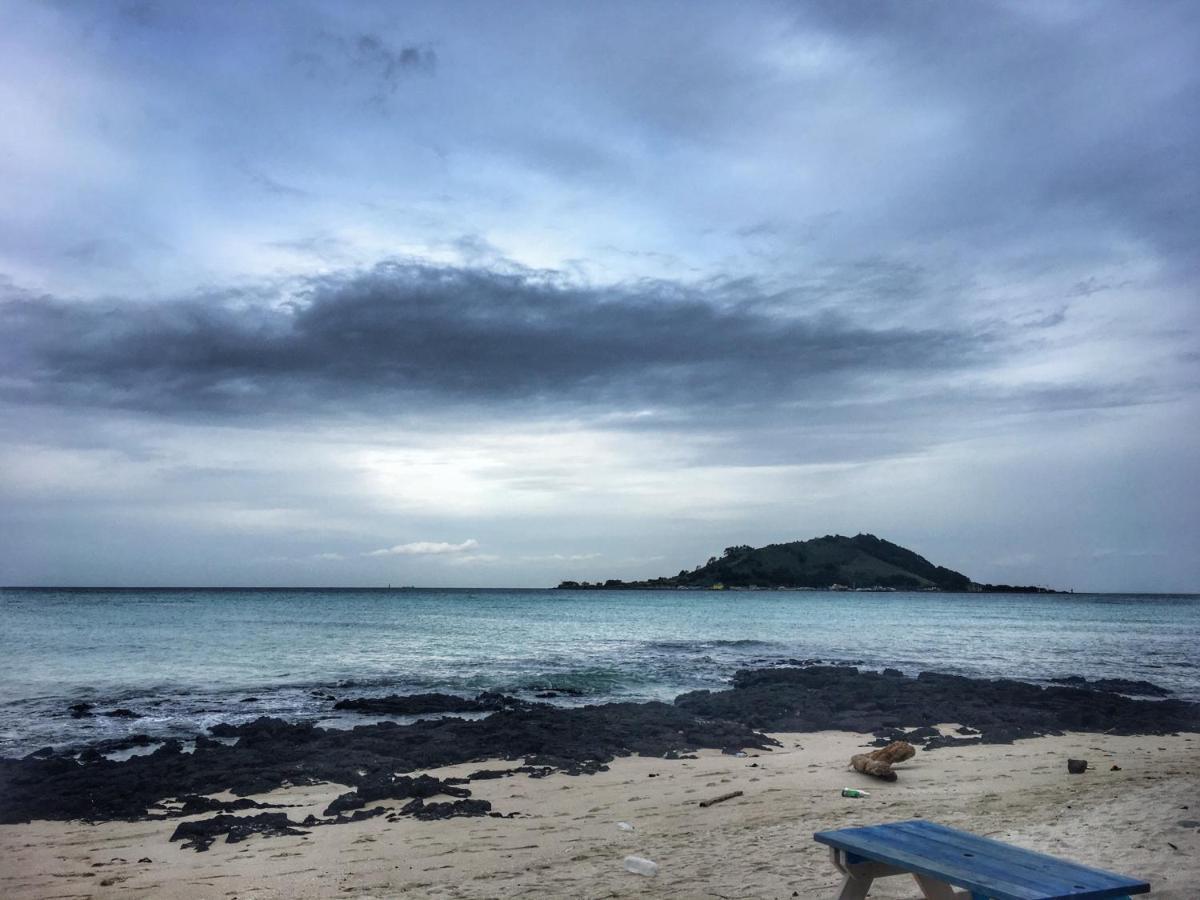 Resultado de imagen para Playa de Hyeopjae en Corea del Sur