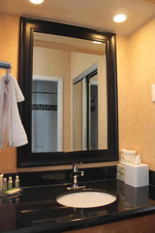 Hotel Suites Downtown Calgary (Canadá Calgary) - Booking.com