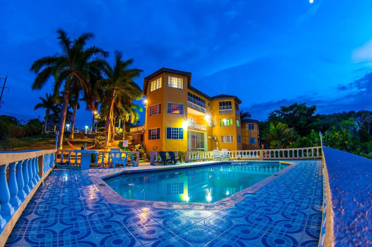 Emerald View Villas - Montego Bay