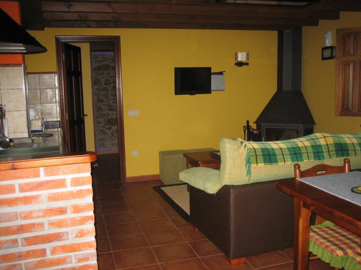 Casa de campo La Portiella (España Bueres) - Booking.com