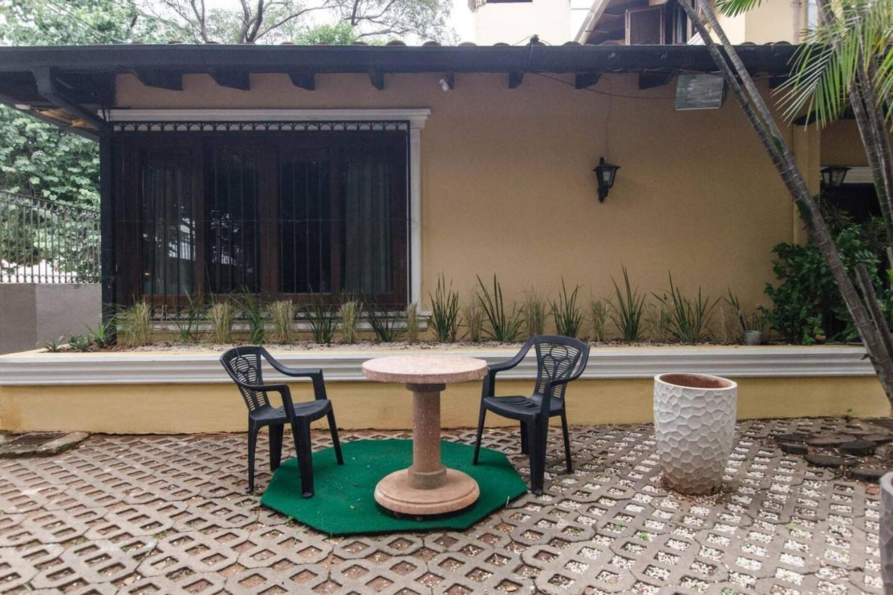 Apartamento Bright Studio surrounded by trees - 2 blocks ...
