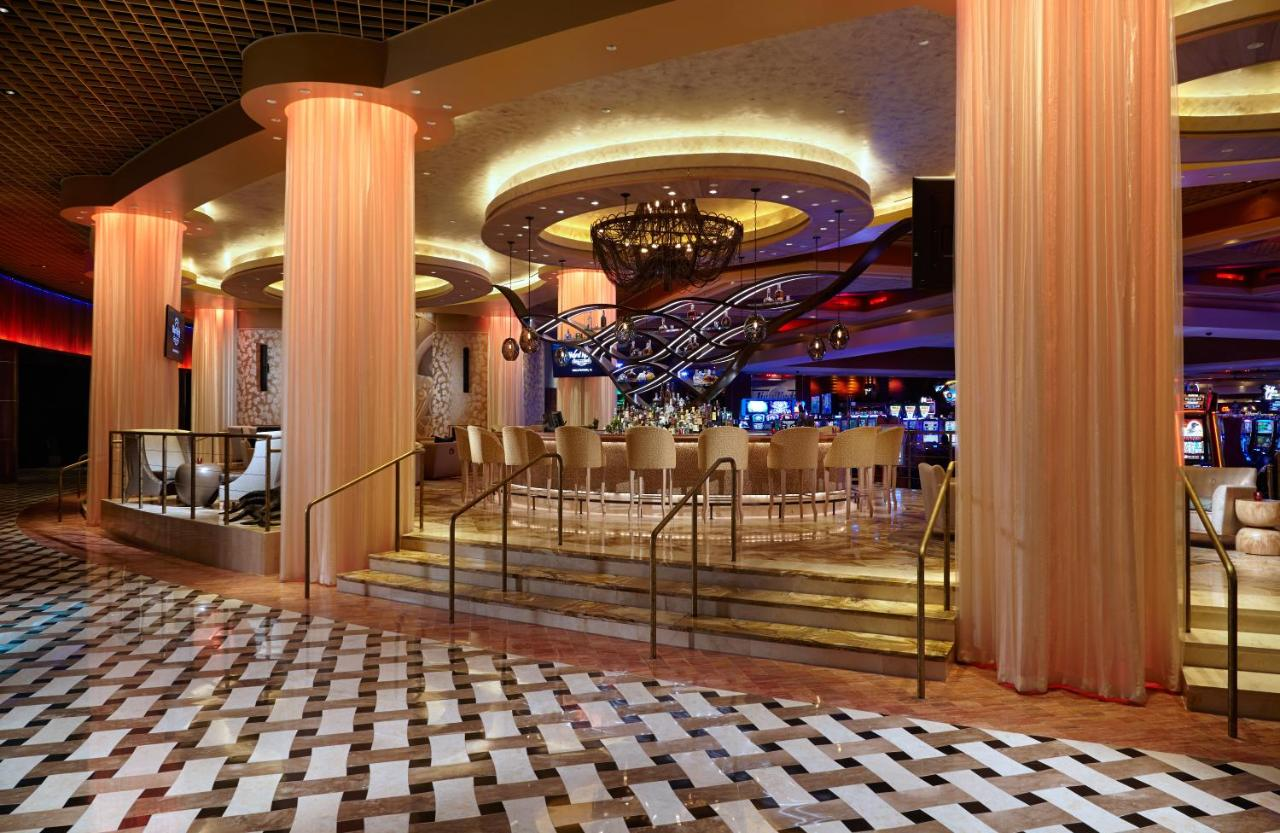 Casino hotel miami nikki santoro casino