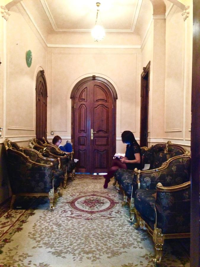 Проститутки по выезду в районе метро домодедовскаЯ