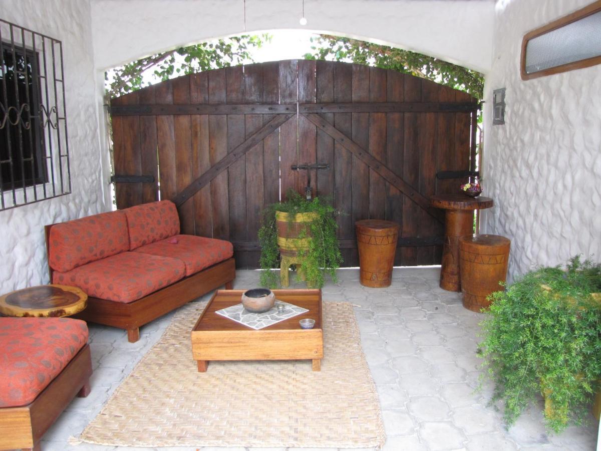 Bed And Breakfast Casa Blanca Playa Cautivo Ecuador La Libertad  # Muebles Cautivo