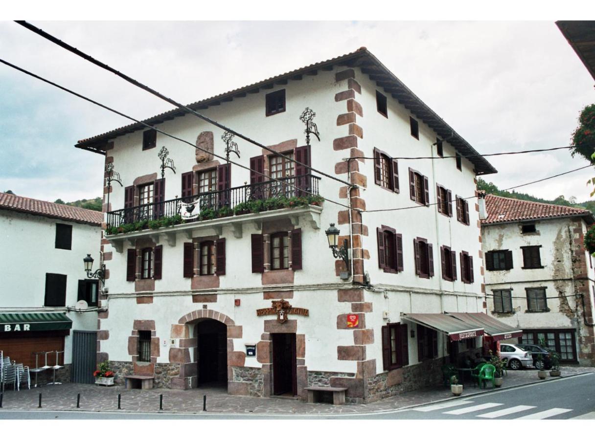 Pousada Pensión Indarenea (Espanha Etxalar) - Booking.com