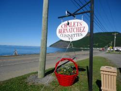 Auberge Chalets Bernatchez, 12 Prudent Cloutier (Route 132), G0E 1V0, Mont-saint-pierre