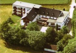 Landkomforthotel Riedelbauch, Kleinwendern 12, 95680, Bad Alexandersbad