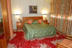 Hotel Fonda Neus, Pelegri Torello, 1, 08770, Sant Sadurní d'Anoia