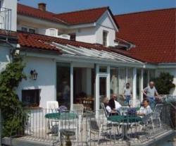 Neukirchener Hof, Saseler Weg 1 / Hauptstraße 10, 23714, Malente