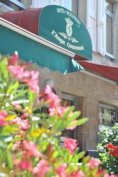 Logis Hotel L'ange Couronne, 18, Rue De La République., 69220, Belleville-sur-Saône