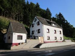Gästehaus am Fels, Kreuzberger Straße 45, 53505, Altenahr