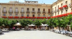 Hostal Arotza, Plaza de Navarra, 3, 31300, Tafalla