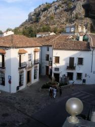 Hotel Peñón Grande, Plaza Pequeña, 7, 11610 Grazalema