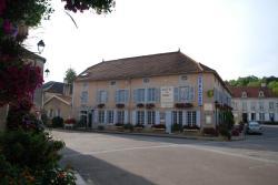 Hôtel Du Parc, 1, Place Moreau, 52210, Arc-en-Barrois