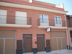 Apartamentos Turísticos Casa Paco, Antonio Machado, 52, 26559, Aldeanueva de Ebro