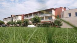 Hotel Le Chatard, 1, Allée Du Mas, 69490, Sarcey
