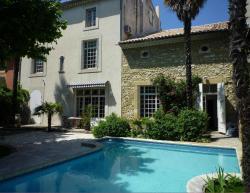 Les Chambres d'hôtes de Luneil (B&B), 4 rue du Rhône, 30150, Roquemaure