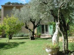Chez Jean-Pierre & Annick, 39, avenue du Pont du Gard, 30210, Remoulins
