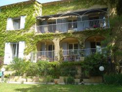 Chambres d'Hôtes La Terre des Lauriers, Avenue du Pont du Gard, 30210, Remoulins