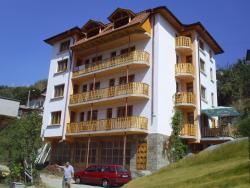 Family Hotel Byalata Kashta, 26 Dicho Petrov Str., 4940, Banite
