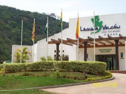 Hotel Laguna Volcan Eco Resort, Carretera a Samaipata km 82 y medio, 0000, Tres Cruces