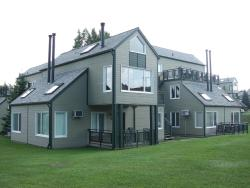 Holiday Villa Resorts at Mont Ste Anne, 355 Rue Dupont, G0A 1E0, Beaupré