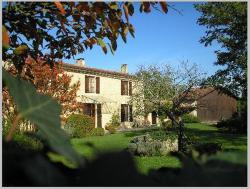 Chambres d'Hôtes Le Courteil, 9, Petit Boiste, 33720, Landiras