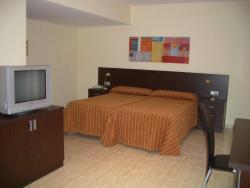 Hotel Piqué, Avenida Catalunya, 68, 43780, Gandesa