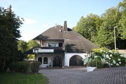 Hotel Kurschloesschen, Am Bosenberg 5, 66606, Sankt Wendel