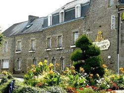 Hôtel Le Lion d'Or, 5, place Adrien Le Franc, 56250, Elven