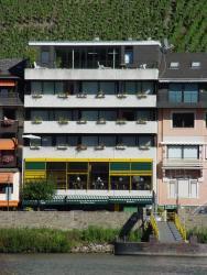Hotel Zum grünen Kranz, Balduinstr. 13, 56856, Zell an der Mosel